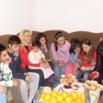 """Social-democratele din Alba Iulia au dorit să fie """"Mame pentru o zi"""" la Casa de Tip Familial din Vingard"""