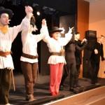 De Ziua Mondială a Teatrului pentru Copii şi Tineret, spectacol şi cărţi cu poveşti pentru copiii din Alba Iulia