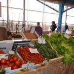 """În Piaţa agroalimentară din Cetate """"bate vântul"""""""