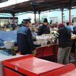 Sute de poliţişti au partcicipat la o razie de amploare în piețele din Alba