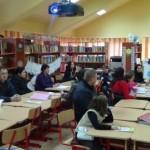 """Vizită a părinților ce urmează să-şi înscrie copiii în învăţământul primar la școala """"Avram Iancu"""" din Alba"""