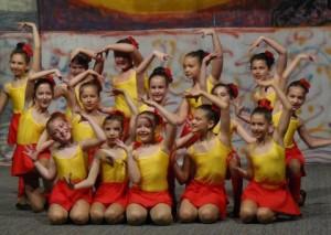 """Formația """"Spirit Liber"""" a școlii de dans """"Chirilă"""" din Alba Iulia de două ori pe podium la Oneşti"""