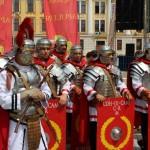 Gloria anticului Apulum readusă la viață de daci și romani astăzi la Alba Iulia