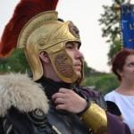 Trupe de daci și romani au luat cu asalt Cetatea Alba Carolina în deschiderea Festivalul Cetăţilor Dacice de la Cricău