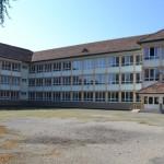 """În curtea Școlii """"Ion Agârbiceanu"""" din Alba Iulia se va construi un teren de sport dotat cu nocturnă"""