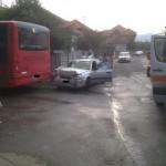 Accident rutier în această seară la Alba Iulia între un autobuz STP și o mașină. 3 persoane au necesitat îngrijiri medicale