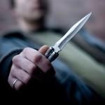 Un albaiulian scandalagiu s-a ales cu dosar penal pentru port de armă albă