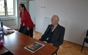 pensionar-donatie-pentru-copiii-din-Alba-Iulia