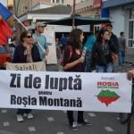 Astăzi la Alba Iulia a avut loc un nou miting de protest împotriva exploatarii miniere de la Roșia Montană. 4000 de ziare împărțite localnicilor
