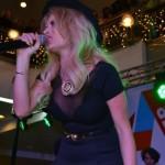 2000 de oameni au fost prezenți la concertul susținut de Delia Matache la Alba Mall