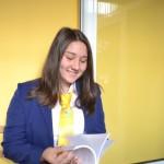 """Eleva Cătălina Lazăr şi-a prezentat prima sa carte """"Jurnalul unor sentimente"""""""