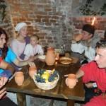 Astăzi la Alba Iulia a  avut loc reconstituirea unei petreceri romane după 2000 de ani