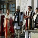 Primire ca în filme a soliilor din Cetăţile de Scaun ale celor trei provincii româneşti la Sala Unirii din Alba Iulia