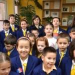 """Elevii Şcolii Generale """"Mihai Eminescu"""" din Alba Iulia şi-au omagiat patronul spiritual"""