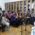 """Lansare de carte, expoziţie de pictură şi momente artistice oferite de cursanţii centrului """"Augustin Bena"""" din Alba Iulia"""
