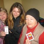Femeile vârstnice din Alba Iulia îngrijite la domiciliu în cadrul reţelei Filantropia au primit mărțișoare
