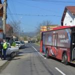 Două victime transportate la spital în urma unui accident între un autobuz și o mașină petrecut la Alba Iulia