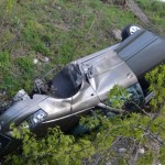 O șoferiță a scăpat teafără după ce s-a răsturnat cu mașina în șanțul de pe marginea șoselei de centură a municipiului Alba Iulia