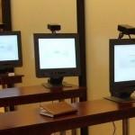 Un tânăr semi-analfabet din Târgovişte a încercat să-și ia examenul pentru carnetul de conducere folosindu-se de echipament audio-video