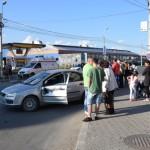Coliziune între un autoturism și un camion în sensul giratoriu de lângă magazinul Dedeman din Alba Iulia