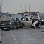 3 autoturisme împilicate într-un accident rutier în zona magazinului Ambient din Alba Iulia
