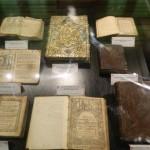 """Muzeul de Artă Sacră """"Reîntregirea"""" din Alba Iulia este în aceste zile gazda unei expoziții de cărţi vechi care au aparținut domnitorului Constantin Brâncoveanu"""