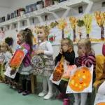 """Atmosferă de poveste, cu cântece, dansuri, recital de poezii şi masă îmbelşugată la """"Festivalul toamnei"""" de la Grădiniţa Nr. 12 din Alba Iulia"""