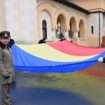 În Piața Tricolorului din Alba Iulia a fost arborat Drapelul României, în acordurile Imnului de stat