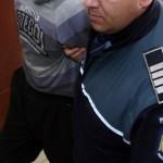 Bărbat din Turda reținut de polițiști după ce a sustras bunuri dintr-un magazin alimentar din Alba Iulia