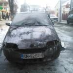 Un autoturism a luat foc pe strada Vasile Goldiș din Alba Iulia