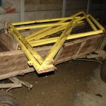 4 tineri din Alba Iulia cercetați penal după ce au sustras mai multe grilaje metalice cu scopul de a le vinde la fier vechi