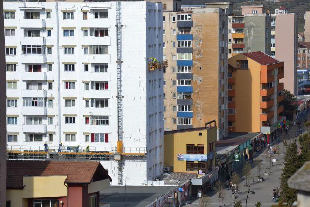 anvelopare-bloc-bulevardul-transivlaniei-apr-2015