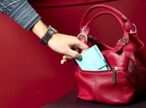furt-portofel-geanta