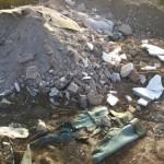 Albaiulieni amendați de Poliția Locală după ce au aruncat deșeuri menajere pe terenuri virane