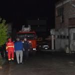 Un tânăr a amenințat că se aruncă de pe o clădire aflată în construcție situată pe B-dul Republicii din Alba Iulia