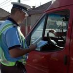 Șofer de 33 de ani din Alba Iulia surprins de polițiști la volanul unui autoturism neînmatriculat