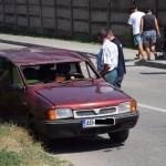Un autoturism Dacia s-a răsturnat într-o intersecție din Alba Iulia după o coliziune cu o altă mașină