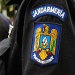 Bărbat violent săltat de jandarmi după ce și-a amenințat cu moartea concubina din Oarda