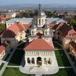 Doi preoți din Târnăveni implicaţi într-o reţea de cerşetorie, anchetaţi de Arhiepiscopia Ortodoxă de Alba Iulia