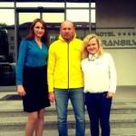 """Bogdan Stelea, fostul portar al """"Generaţiei de Aur"""" a împărţit mingi fanilor """"tricolori"""" din Alba Iulia"""