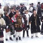 Obiceiuri, datini şi tradiţii de Anul Nou: Pluguşorul, Capra, umblatul cu Ursul, Sorcova | albaiuliainfo.ro