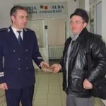 Un bărbat din Ighiu a găsit un portofel cu bani la Șard și l-a predat polițiștilor