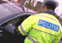 Bărbat de 31 de ani din Cricău surprins de polițiști conducând un autoturism fără permis, pe DJ 105M