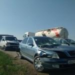 Două persoane au fost rănite în urma unui impact între trei mașini petrecut ia ieșirea din Alba Iulia înspre Sebeș