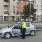 Soferițele oprite în trafic și felicitate de poliștii rutieri din Alba Iulia cu ocazia Zilei Femeii