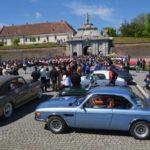 Retro Parada Primăverii desfășurată astăzi la Alba Iulia a deschis sezonul 2016 de evenimente dedicate vehiculelor istorice