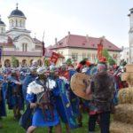 Pe o ploaie torențială, legiunile romane au câștigat și în acest an războiul cu dacii din cadrul Festivalului Roman Apulum, de la Alba Iulia
