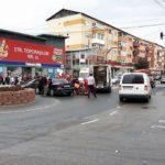 """Coliziune între o ambulanță SMURD și un autoturism în sensul giratoriu de la Piața """"Cetate"""", din Alba Iulia"""