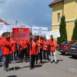 Apeoximativ 100 de cadre didactice au protestat, la Alba Iulia, acuzând abuzuri ale IȘJ Alba