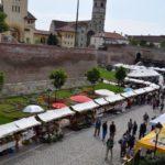 """Târgul """"Gustos de Alba"""" și-a deschis porțile pe Latura de Vest a Cetății Alba Carolina, din Alba Iulia"""